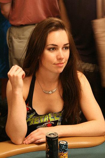 liv-boeree-ept-sanremo-poker-vincitrice-foto-02