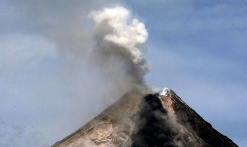 mayon-vulcano-eruzione-filippine-03