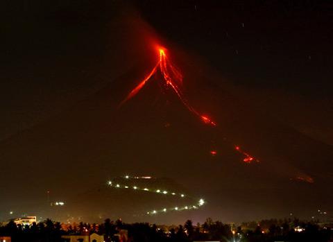 mayon-vulcano-filippine-volcano-eruzione-eruption-01