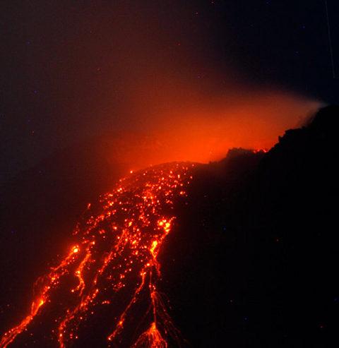 mayon-vulcano-filippine-volcano-eruzione-eruption-02