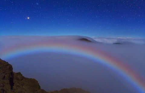 moonbow-arcobaleno-luna-hawaii-marte-foto-pic-immagine