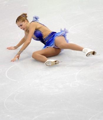 olimpiadi-vancouver-carolina-kostner-caduta-pattinaggio-04