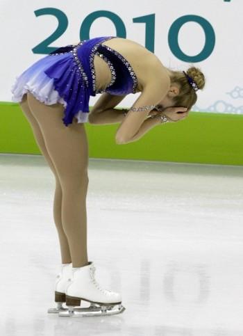 olimpiadi-vancouver-carolina-kostner-caduta-pattinaggio-05