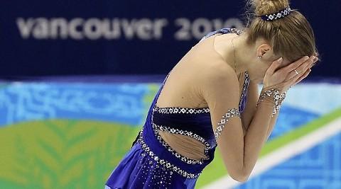 olimpiadi-vancouver-carolina-kostner-caduta-pattinaggio-06