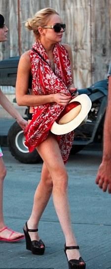 pic-foto-Lindsay-Lohan-vacanza-seminuda-01