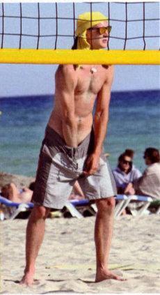 pierre-casiraghi-beach-volley-foto-02