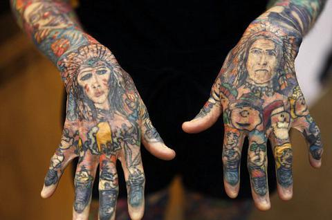 ragazza-piu-tatuata-al-mondo-record-guinness-foto-03