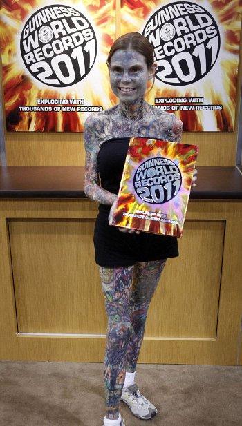 ragazza-piu-tatuata-al-mondo-record-guinness-foto-04