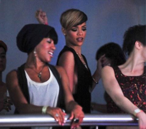 rihanna-discoteca-liverpool-foto-02