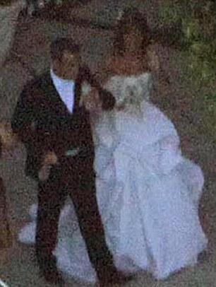 robbie-williams-foto-cerimonia-matrimonio-02