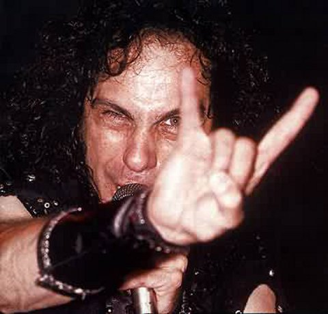 ronnie-james-dio-la-leggenda-del-metal-foto-01