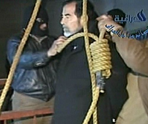 saddam-hussein-impiccato