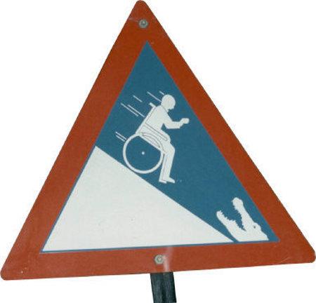 segnali-stradali-cartelli-pazzi-foto-02