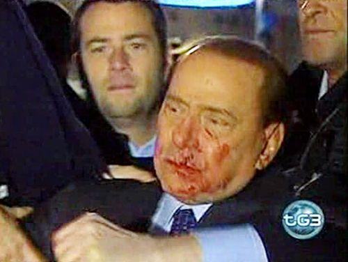 silvio-berlusconi-aggressione-piazza-duomo-sangue