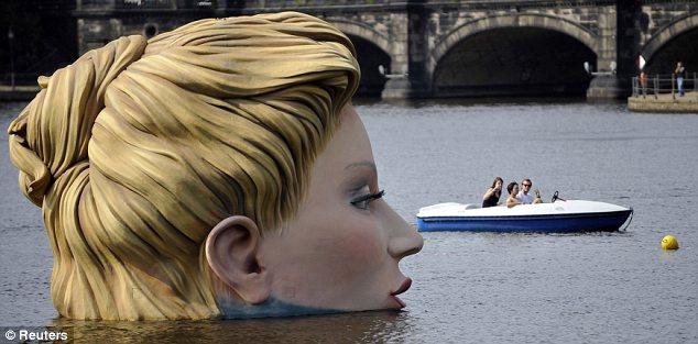 sirena-scultura-Alster-foto-02