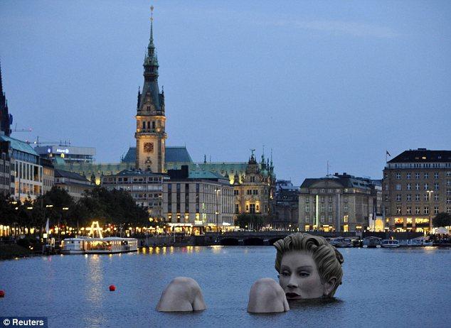 sirena-scultura-Alster-foto-04