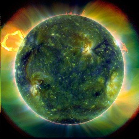 solar-dynamics-observatory-sdo-eruzione-solare-foto-02
