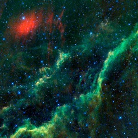 stella-calda-hubble-telescopio-nebulosa-california-foto