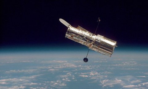 telescopio-spaziale-hubble-compleanno-20-anni-foto-01