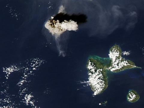 vulcano-Soufriere-Hills-eruzione-satellite