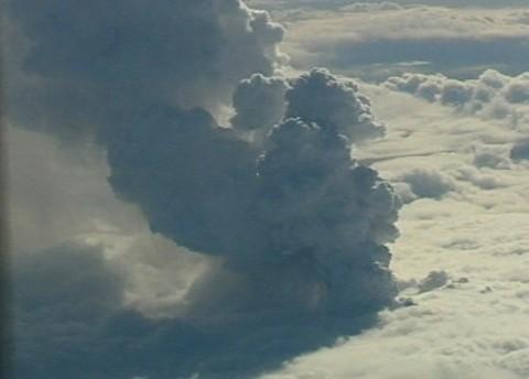 vulcano-eruzione-islanda-Eyjafjallajokull-ghiacciaio-cenere-foto-01