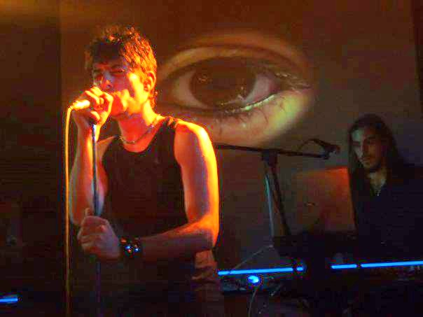 blue-room-cover-depeche-mode-band-live-04