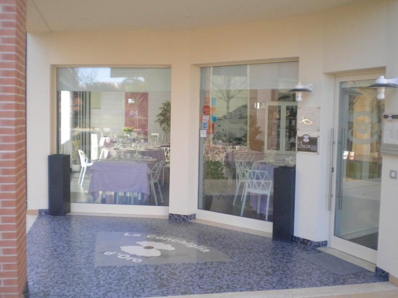 ristorante-la-conchiglia-doro-pesce-fresco-pineto-abruzzo-touring-01.jpg