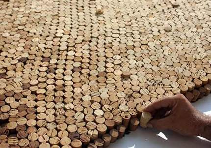 2008-Saimir-Strati-tappi-sughero-record-guinness-mosaico-dettaglio