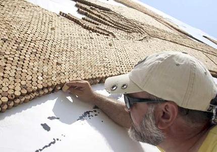 2008-Saimir-Strati-tappi-sughero-record-guinness-mosaico