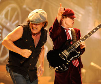 ACDC-angus-young-Brian-Johnson-immortali