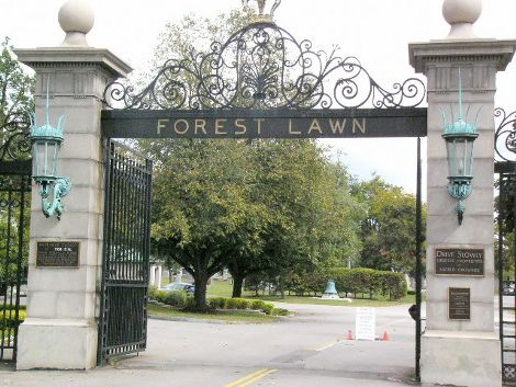 Forest-Lawn-Cemetery-cimitero-michael-jackson