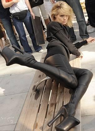 Heidi-Klum-calzature-pericolose