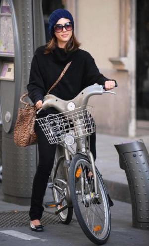 Jessica-Alba-bici