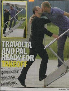 John-Travolta-spicca-il-volo