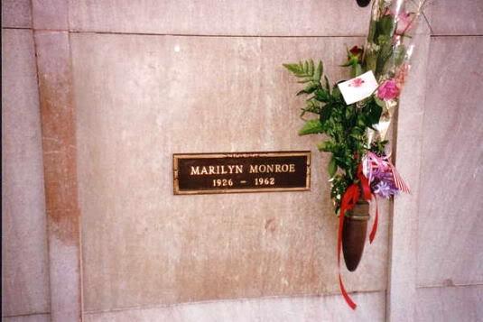 Marilyn_Monroe-tomba