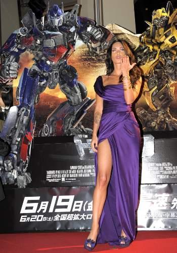 Megan_Fox_Transformers_2_anteprima_Tokyo_abito_viola
