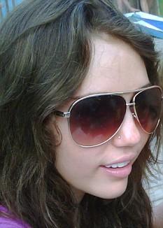 Miley-Cyrus-foto-twitter-piercing