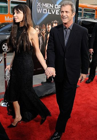 Oksana-Pochepa-mel-gibson-red-carpet