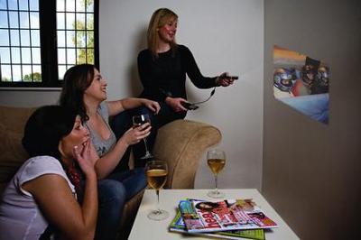Optoma-Technology-Optoma-EP-PK-101-PICO-Pocket-Projector-videoproiettore-tascabile-per-sorprendere-gli-amici