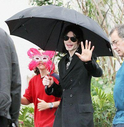 Prince-Michael-Blanket-michael-jackson-figlio-son-maschera