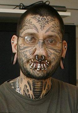 Rouslan-Toumaniantz-tatuatore-tatuaggio