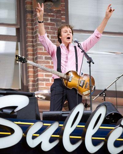 Sir-Paul-McCartney-ed-sullivan-broadway