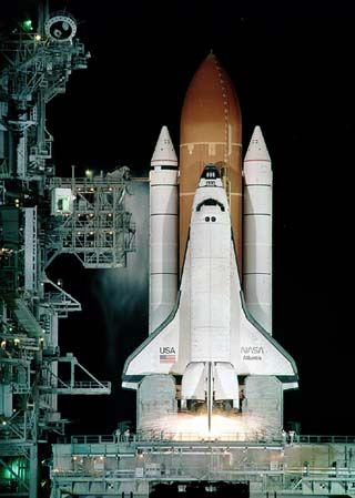 Space-Shuttle-Discovery-in-partenza