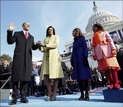 barack-obama-michelle-figli-giuramento-bibbia-abramo-lincoln