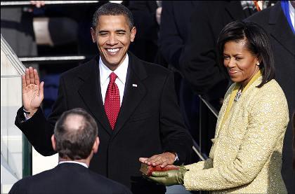 barack-obama-michelle-moglie-giuramento-bibbia-abrham-lincoln