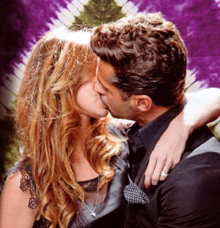 belen-rodriguez-insieme-a-fabrizio-corona-bacio-kiss