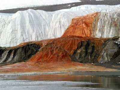 cascate-sangue-antartide-