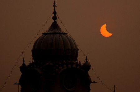 eclissi-totale-sole-india