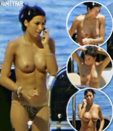 elisabetta-gregoraci-in-barca-topless