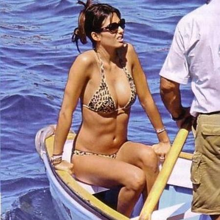 elisabetta-gregoraci-in-barca